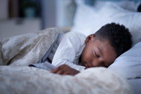 Et si une bonne hygiène du sommeil nous aidait à perdre du poids?